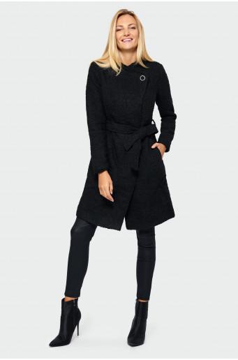 Asymmetric fastening coat