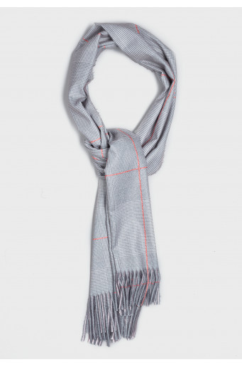 Smart chequered scarf