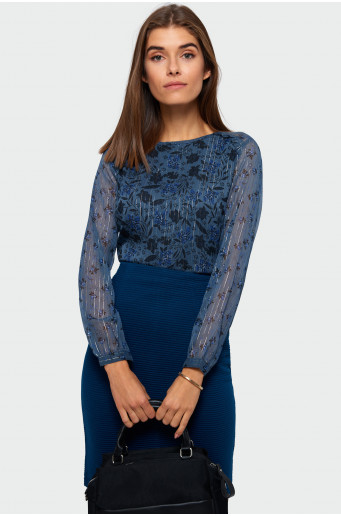 Shimmering strand blouse