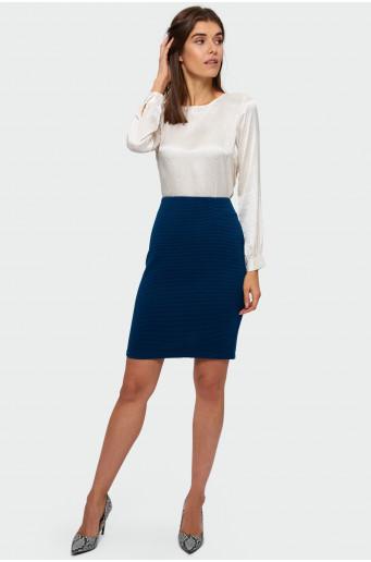 Skin-tight knitted skirt