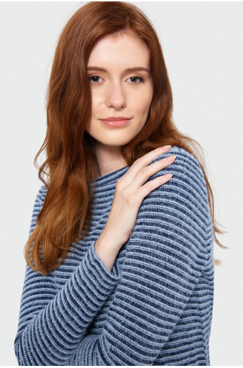 Skin-tight patterned sweater