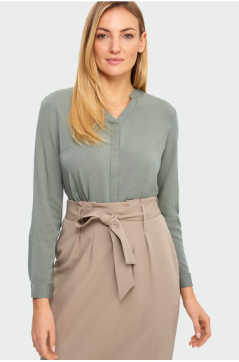 Rolled-up sleeves blouse