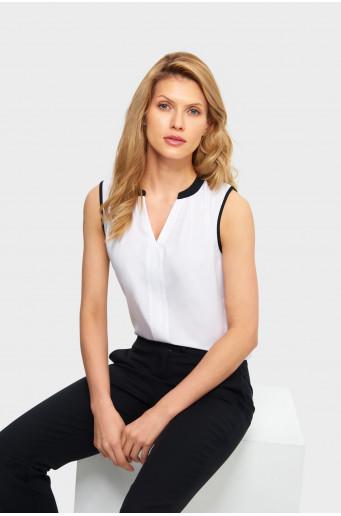 Smart sleveless blouse