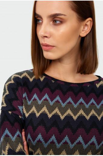 Sweter o luźnym kroju z nadrukiem