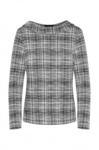 Knitted chequered blouse