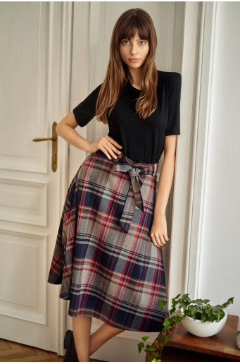 Flared chequered skirt